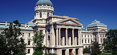 Indiana Statehouse: Photo by Mark Goebel (ib0725.JPG) [CC BY 2.0 (http://creativecommons.org/licenses/by/2.0)], via Wikimedia Commons